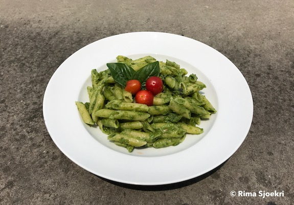 penne-with-spinach-pesto-sauce